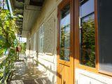Продаю хороший дом в городе чадыр-лунга  с мебелью и техникой не далеко от мрэо и больницы.