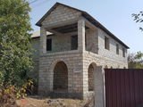 Se vinde casa in comuna Ciorescu pe strada florilor...