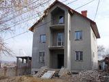 Sect. Buiucani, str. Torino, 3. Дом 210 м, участок 0,042 га.