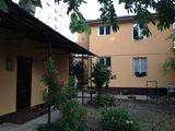 Se vinde 2 case cu teren de 5 ar, 225m2, Euroreparație! Buiucani, str. Neculce!