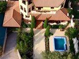 Дом на Ботанике,котелец, общ. пл.= 350 м2 + летняя кухня + домик для прислуги