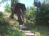 casa din lemn natural.