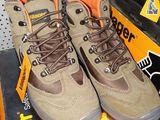 Incaltaminte, bocanci,cizme cu talpa ortopedica calitate foarte buna.Avem in asortiment toate modele
