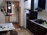 Vinzare. Apartament cu doua odai cu incalzire autonoma, total mobilat si cu electrocasnice.