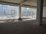 Продаем торговую площадь 2,115 м2 на Чеканах в г.Кишинева по ул.Мирча чел Бэтрын!Первая линия!
