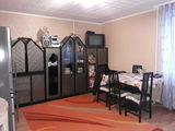 Vind apartament cu 2 odai, mobilat, echipat, proprietarul, negociabil