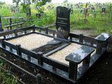 Monumente funerare din granit la comanda