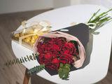 Trandafiri olandezi roșii la Super Preț!