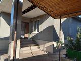 Se vinde casă cu 4 camere! 165 m2!+ Garaj! Cosmetică bună! Durlești, str. Sadoveanu!