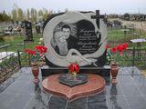 Monumente funerare la comanda