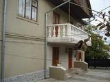 Casa in 2 nivele,o.Ialoveni, zona de Elita,cu suprafata178 m2,pe 9 ari,perfecta pentru 2 familii !