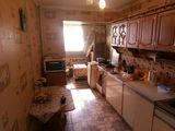 Продаю 3-комнатную по цене 2-комнатной квартиры на ботанике ул. Дачия 40/3. 29000 евро