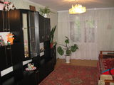 Внимание  отличная  3-комнатная кв. 1 эт. в Яловенах в центре