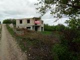 Casa nefinisata în suburbia Chișinău