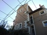 Ион Инкулец 14. Центр. Сдаю 3-х этажный дом 300м2= 955 уе/месяц