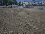 Lot  de teren sub  construcție