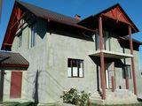 Casa noua in varianta alba, 2 nivele, 8 ari, terasa , sauna