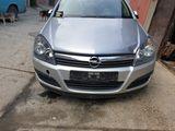 Se dezmembreaza Opel Astra H 1.3