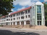 Продаётся новая 3-х уровневая гостиница, оборудованная под ключ в центр.части г.Бэлц