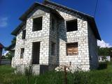 Продам недостроиный дом в сел. Бык . 6 соток земль 25000