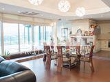 Penthouse modern cu o amplasare extrem de confortabilă!