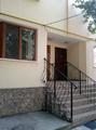 Продаю добротный 3-х этажный дом на Букурешть! Гараж! Два входа!