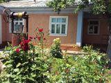 Casa in Glodeni , centru orașului .