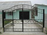 Casa noua pe malul iazului la suruceni-7cm.de la Chisinau.