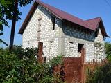 Se vinde casa nefinisata in centrul satului Bic, comuna Bubuieci
