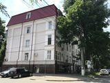 Vânzare spațiu comercial, oficiu, Centru str. M. Dosoftei, 82000 €