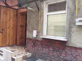 Vind urgent!!! apartament cu o camera la sol in centru chisinaului