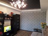 Apartament cu reparatie, se vinde mobilat 21500 euro