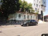 Vînzare teren p/u construcții, str. București, prima linie, 4 ari!