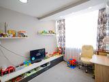 Centru! Apartament modern cu 3 odai + living in doua nivele! Full mobilat, autonoma, bloc nou!