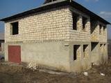 vând casă în Peresecina 25 km distanta de  Chisinau