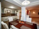 Vă oferim spre vânzare apartament cu o suprfața generoasă de 195 m2.