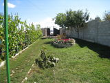 Lot Straseni Recea , casa + 20 sote de pamint 35 km de la Chisinau