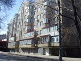Ion Pelivan 18. Buiucani. Vind  Penthouse 196 m2= 127.000.00€. In 2 nivele m2 + Garaj casa noua