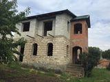 Vind casa cu 3 etaje in raionul Orhei, satul Camencea