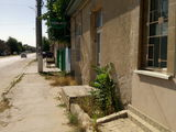 Casa drep la  traseu Chisinau- Iasi