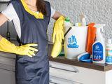 Опытная домработница ! качественая уборка квартир,домов,стирка -глажка!!!