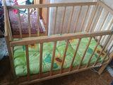 Кроватка детская с хорошим матрасом.