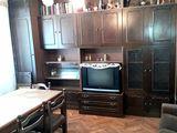 Spe vinzare o jumatate de casa (nivelul 1) in centru or. Ialoveni str. B.Glavan. Pret: 27000 euro.