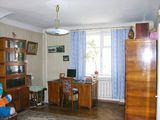 3-комнатная квартира в самом центре на Штефан чел Маре, площадь как в новострое, 96 м2. Этаж 3/5.