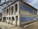 2-х этажный дом на 6-ти сотках по ул. Энтузиастов в г. Яловень. Цена: 62 500 евро.