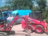 Mini-excavator, mini-incarcator