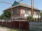 продается хороший двухэтажный дом