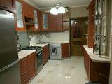 Botanica, bd. Cuza Vodă. Apartament cu 3 odai bloc nou, 380 euro