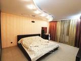 Bloc Nou! Centru, str. Mitropolit B. Bodoni, 3 camere + living! Euroreparație!