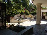 Продается трехэтажный элитный дом в удобном месте для жилья напротив ворот лесопарк !!!